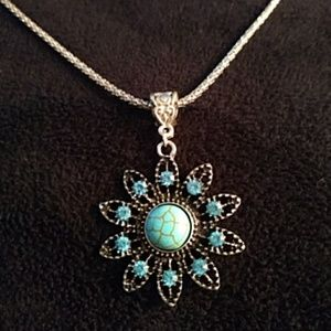 NEW - Necklace - turquoise